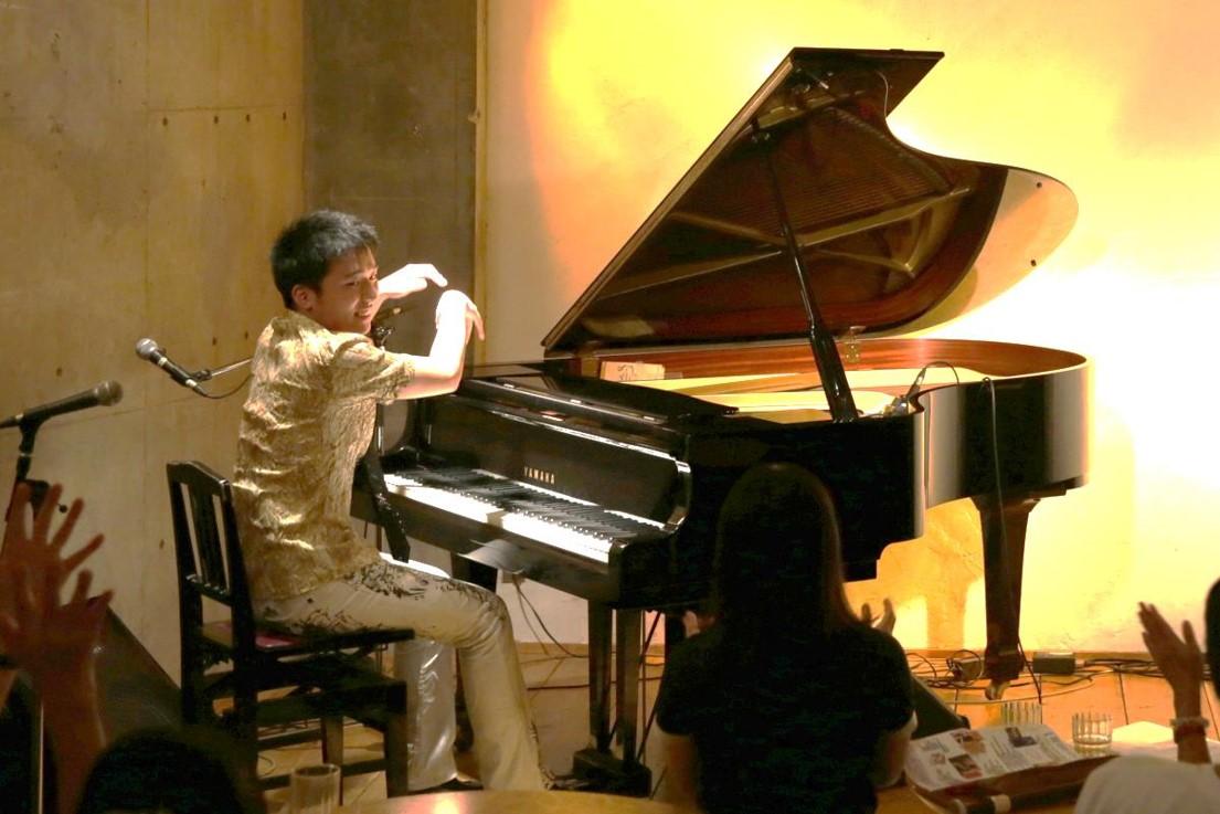 ピアノライブ演奏